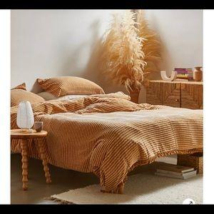 Urban Outfitters Jersey Textured Duvet + 2 Shams!